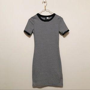 Mini sleeved dress!
